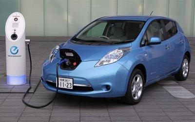 La autonomía de los coches eléctricos es el 36% inferior a la anunciada, según la OCU.